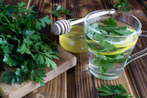 8 bienfaits impressionnants du persil pour la peau, les cheveux et la santé